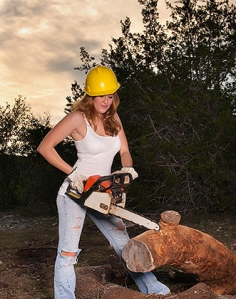 WomanWithChainsaw